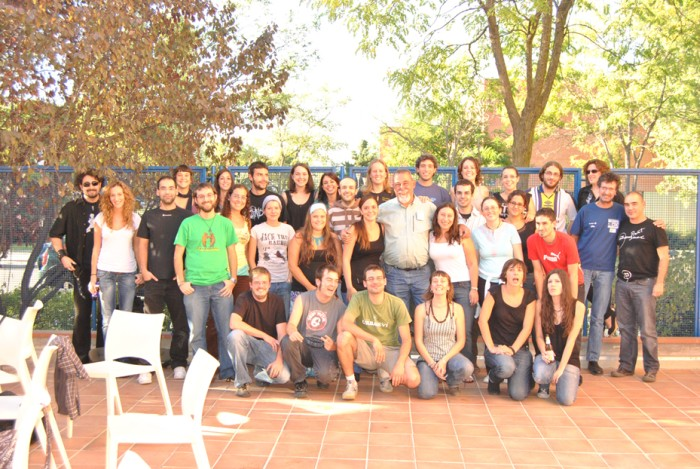Профессор Сардин со своими студентами в Мадриде