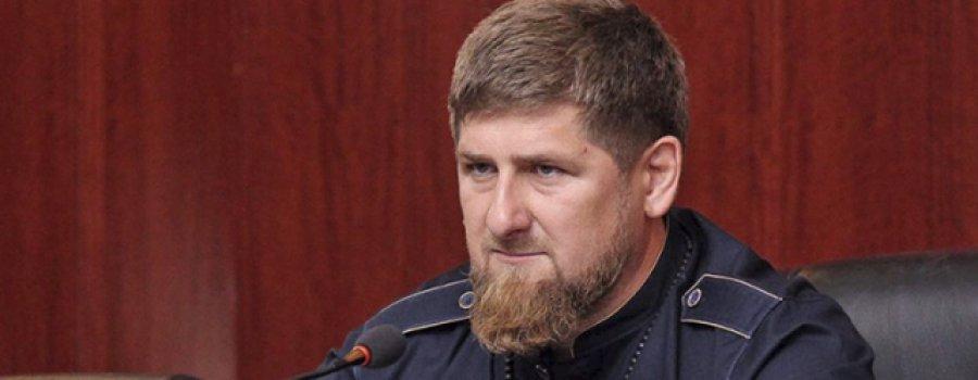 Charlie Hebdo опубликовал карикатуры на Кадырова и чеченских геев