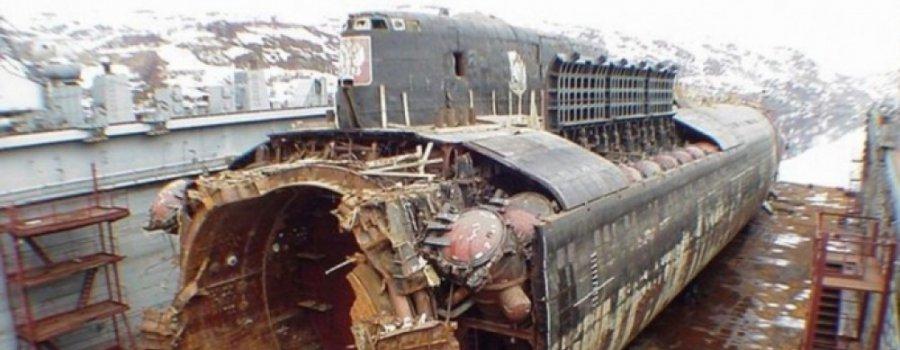 """Лучшая лодка, лучший экипаж: хроника гибели атомной подводной лодки """"Курск"""""""
