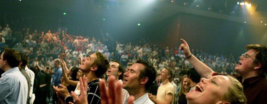 Запад тревожит судьба иеговистов: маски сброшены, потанцуем?