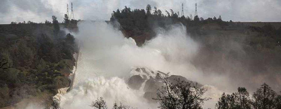 В США рухнула самая высокая плотина — объявлена эвакуация (+ФОТО, ВИДЕО)