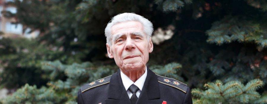 Герой Совесткого Союза Лев Матушкин. Командир атомной субмарины. Видел выныривающий НЛО