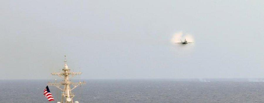 Три Су-24М запугали американский эсминец Porter в Черном море