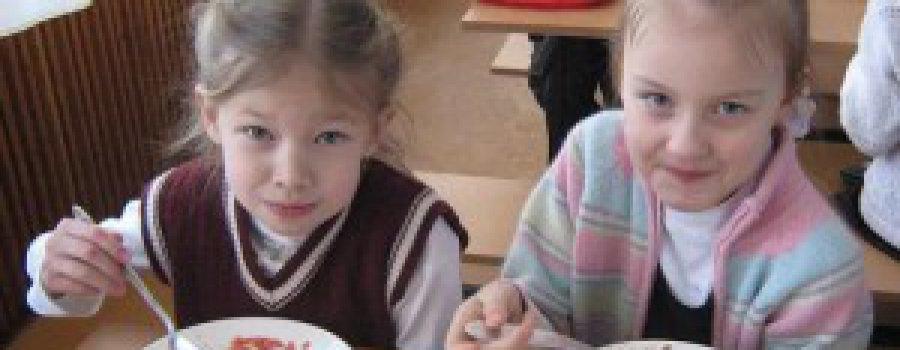 Худшее детям: прокуроры недовольны питанием в школах регионов